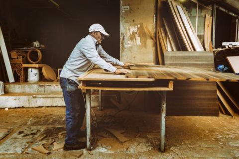 承擔工傷責任一定要先確認勞動關系嗎?